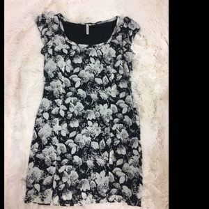 BCBGeneration Ivory Black Floral Shift Dress
